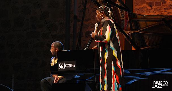 La cantante Cecile McLorin y el pianista Sullivan Fortner. (Foto: DJazz).