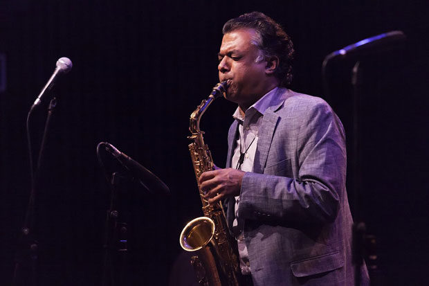 Rudresh mahanthappa jazz sin miramientos distritojazz for Conciertos jazz madrid