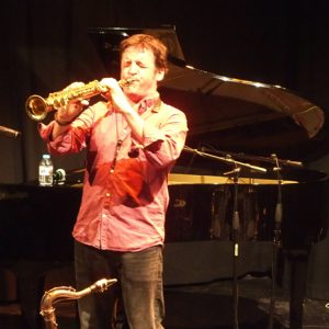 http://www.distritojazz.com/wp-content/uploads/distritojazz-conciertos-jazz-Victor-de-Diego-Trio-en-Bilbao.jpg