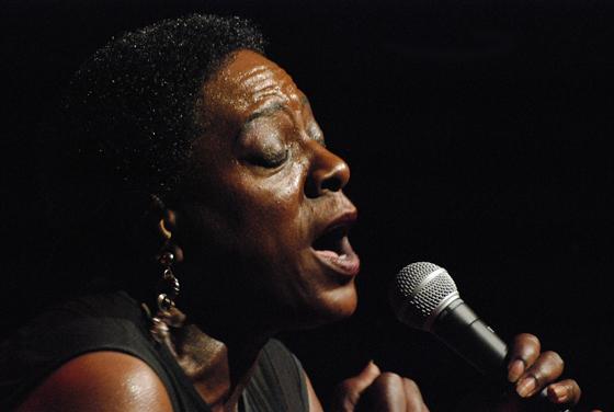 distritojazz-conciertos-off-jazz-Sharon_Jones