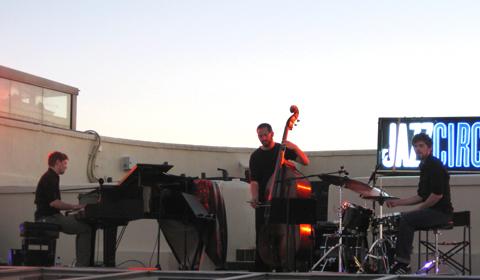 distritojazz-directos-jazz-Pablo-Held-trio-foto-Jo-Setters